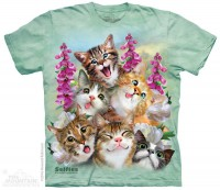 The Mountain Kittens Selfie T-Shirt